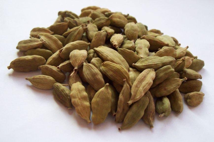 Elettaria_cardamomum_capsules.jpg